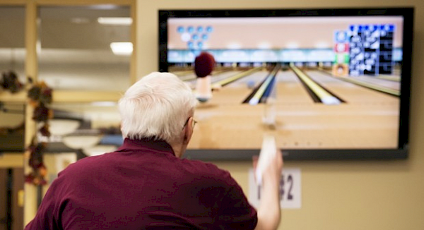 iCare, Touchpoints Rehab, Touchpoints at Bloomfield, Recreation, Wii Bowling